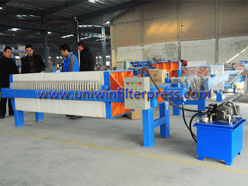 assembled-filter-press-with-hydraulic-system